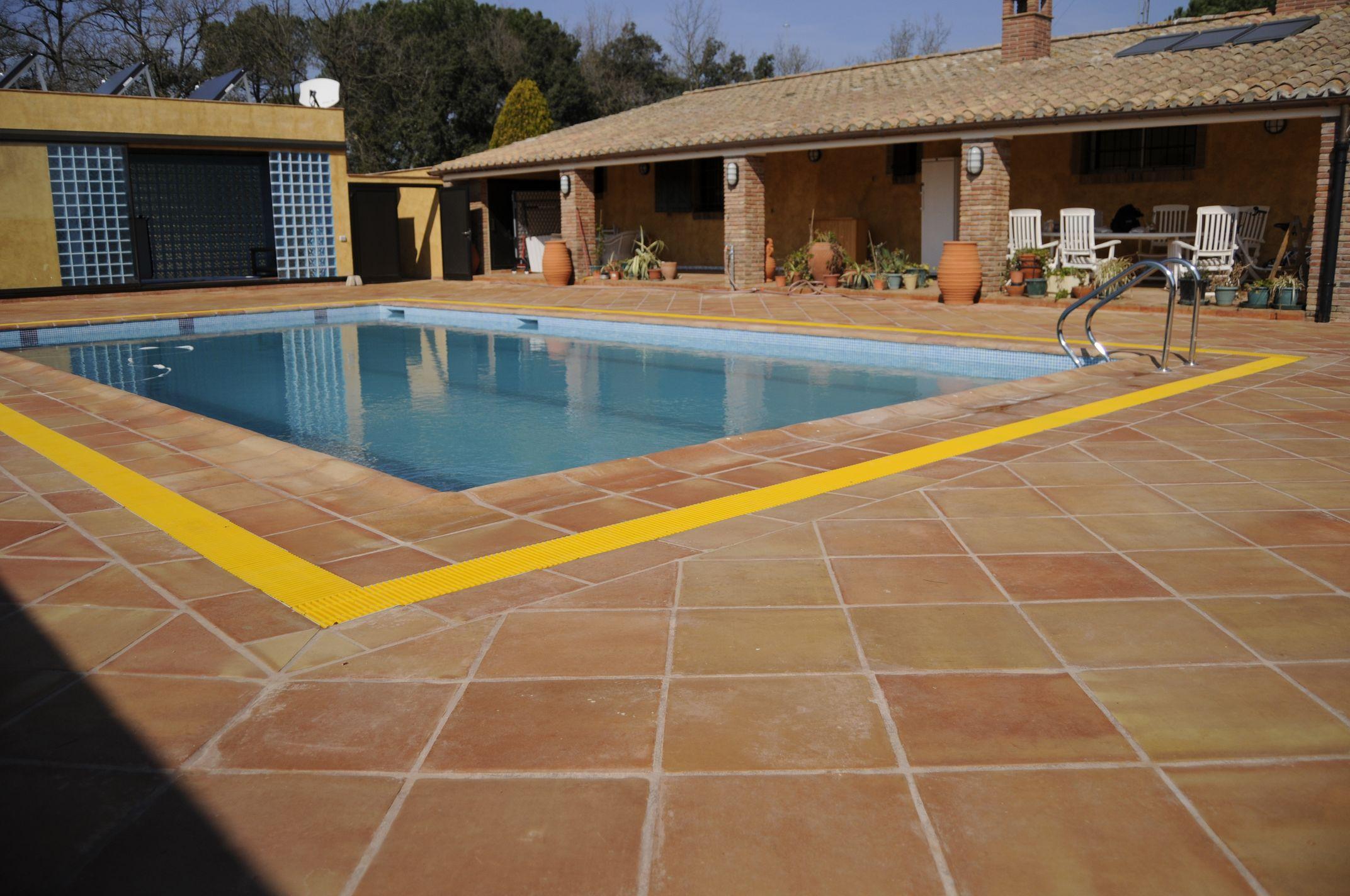 10 Terracotta Swimming Pool Outdoor Floor Tiles in Pakistan Floor Tiles Price in Rawalpindi.
