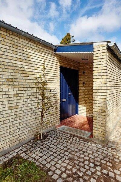 House Front Wall Cladding Yellow Bricks Tiles