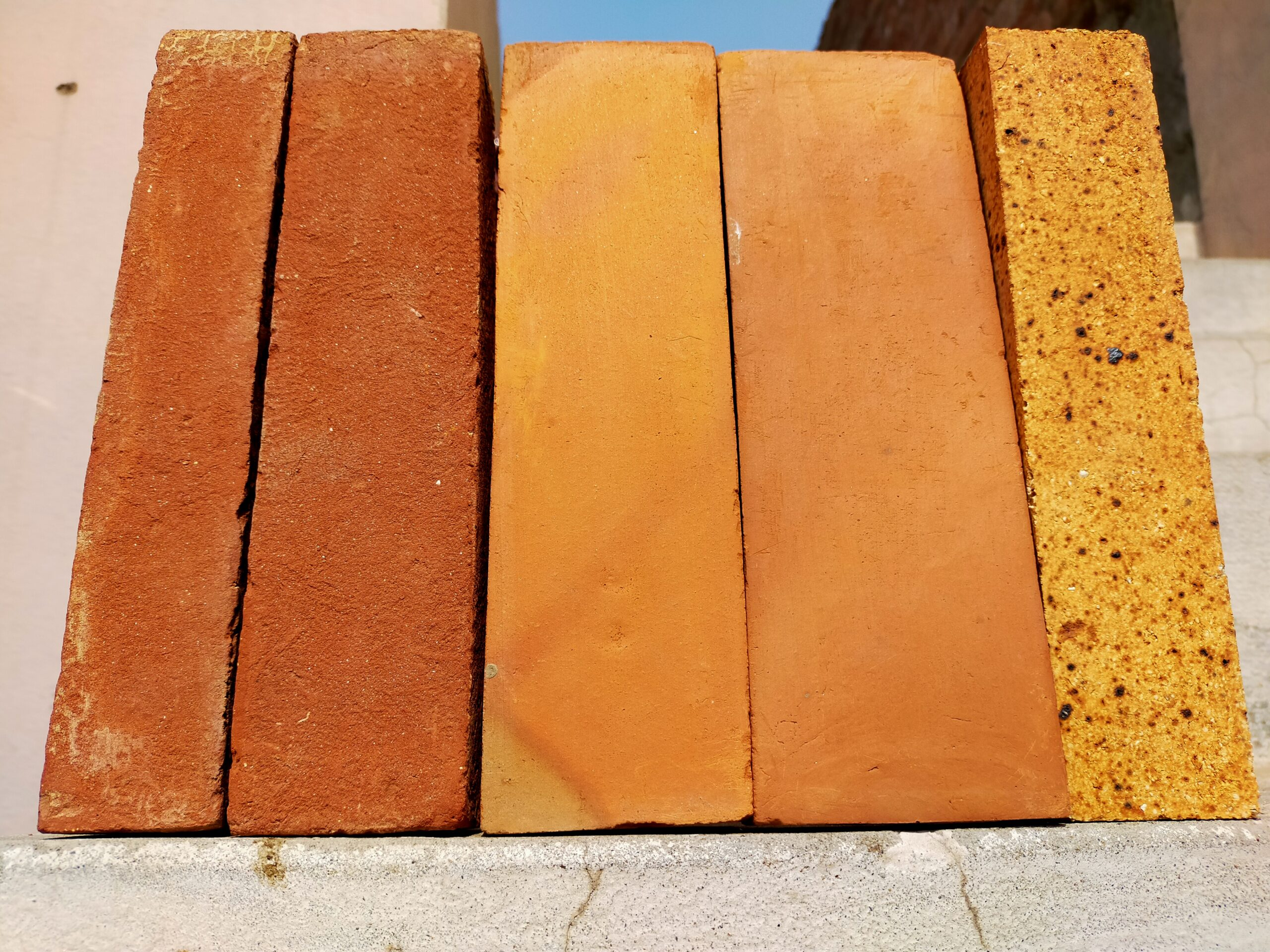 Red Gutka Bricks in Lahore